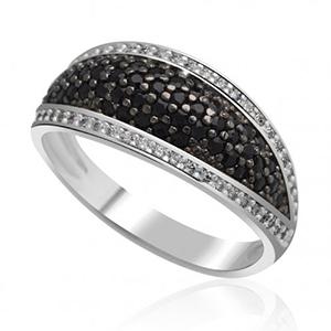 Prsten s černými diamanty
