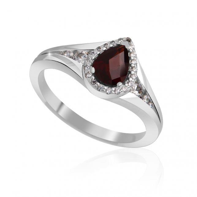 Prsten sebelásky s almadinem a diamanty